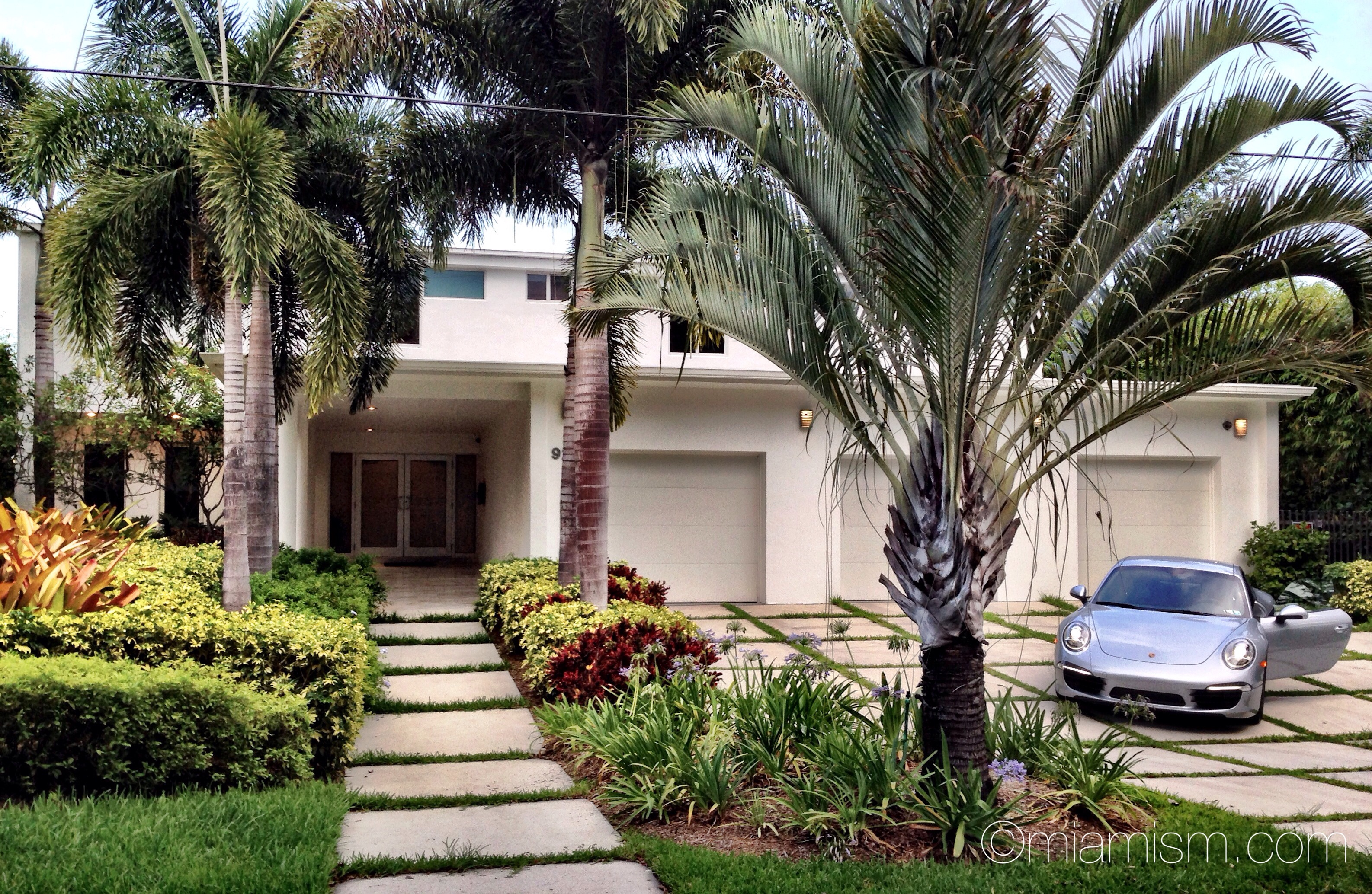 Bayview house miami shores real estate for Luxury houses in miami for sale
